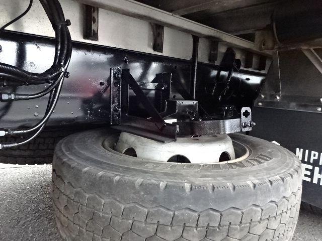 いすゞ H25 ギガ 3軸低床冷凍ウィング キーストン ★ 画像19