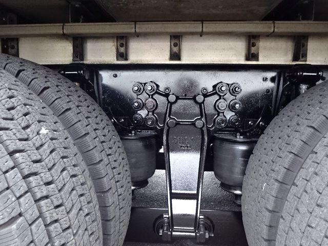 いすゞ H25 ギガ 3軸低床冷凍ウィング キーストン ★ 画像21