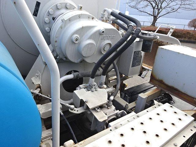 UD H21 クオン コンクリートミキサー 仕上げ中 画像16