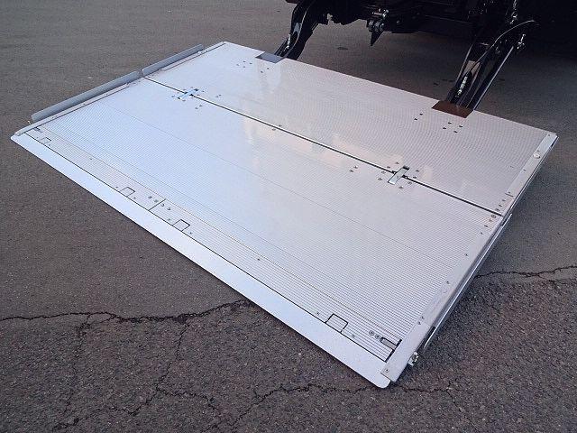 三菱 H30 ファイター フルワイド低温冷凍車 格納PG 画像10