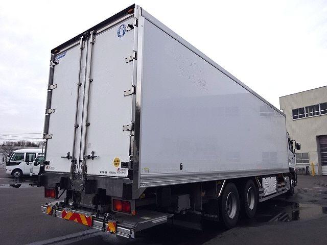 UD H24 クオン 3軸冷凍車 格納PG キーストン 画像10