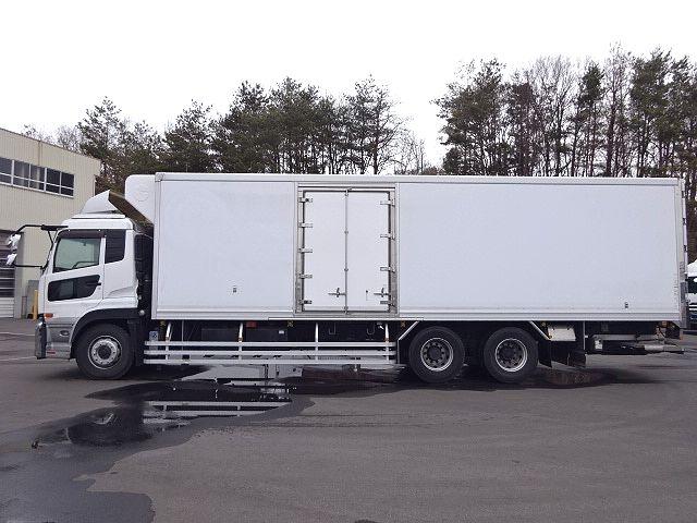 UD H24 クオン 3軸冷凍車 格納PG キーストン 画像4