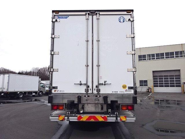UD H24 クオン 3軸冷凍車 格納PG キーストン 画像9