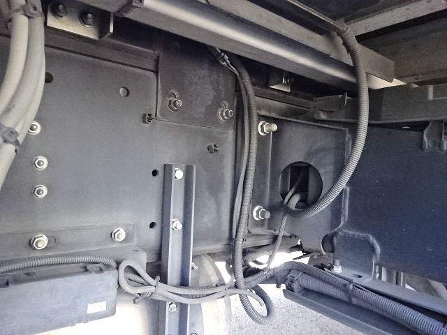 いすゞ H26 ギガ 4軸低床アルミウィング 格納PG 画像15