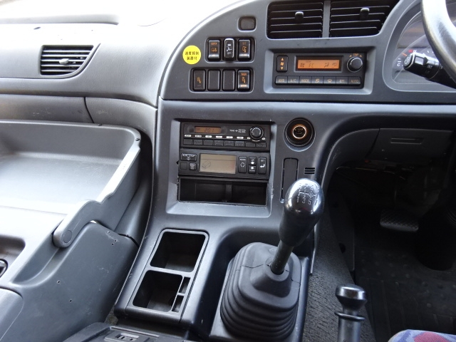 いすゞ H18 ギガ 3軸 低温冷凍車 キーストン 画像24