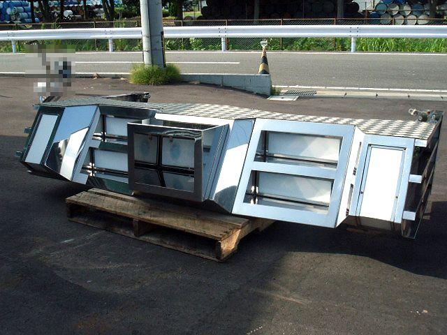 4t車 標準幅用 フロントステンレスバンパー 画像1